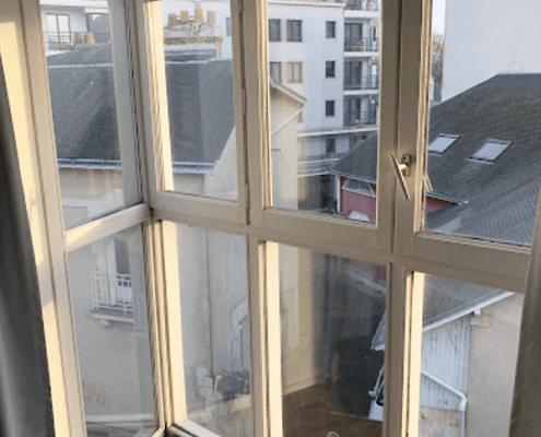 Remplacement de porte fenêtre dans un appartement à Nantes - Menuiserie Miroiterie Nantaise - Dépannage en vitrerie et miroiterie à Nantes et Ancenis en Loire-Atlantique (44)