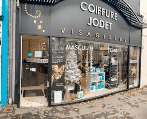 Remplacement de vitrine - Salon de coiffure Jodet à Couffé