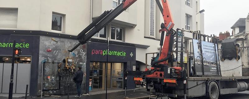 Remplacement vitre pharmacie à Nantes