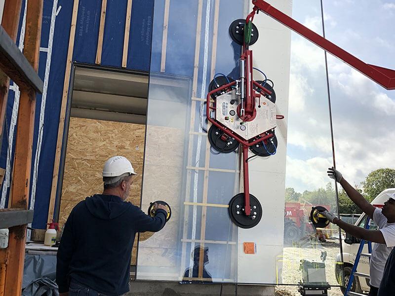Installation et pose de vitrage pour un restaurant à Thouaré sur Loire (44) - Menuiserie Miroiterie Nantaise - Dépannage en vitrerie et miroiterie à Nantes et Ancenis en Loire-Atlantique (44)