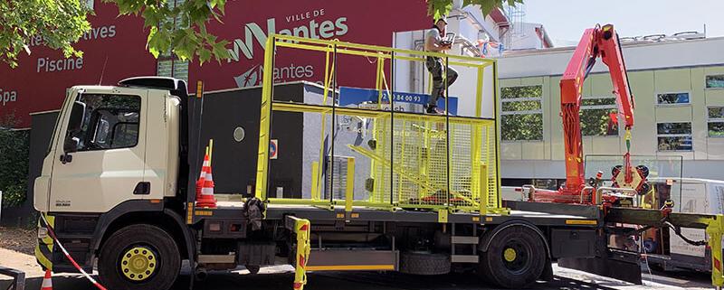 Remplacement de vitres en hauteur pour la crèche de Petit Port à Nantes Métropole (44) - Menuiserie Miroiterie Nantaise - Dépannage en vitrerie et miroiterie à Nantes et Ancenis en Loire-Atlantique (44)