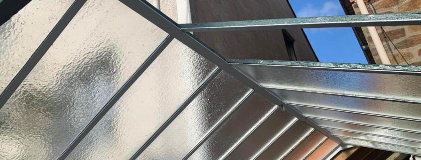 Réfection de verrière à l'ancienne avec solin de mastic à Nantes (44) - Menuiserie Miroiterie Nantaise - Dépannage en vitrerie et miroiterie à Nantes et Ancenis en Loire-Atlantique (44)